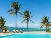 Karafuu Beach Resort & Spa Pool and Beach