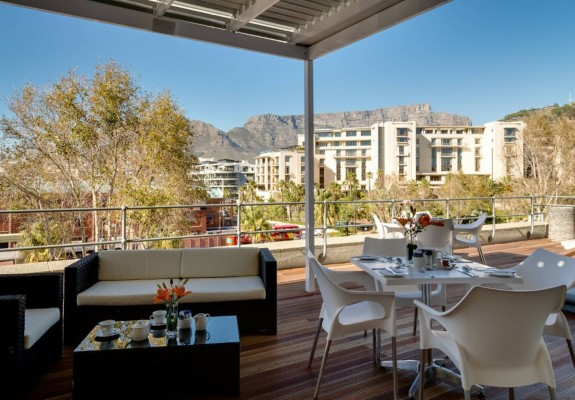 3* Protea Hotel by Marriott Cape Town Waterfront Breakwater Lodge December Special (3 Nights)