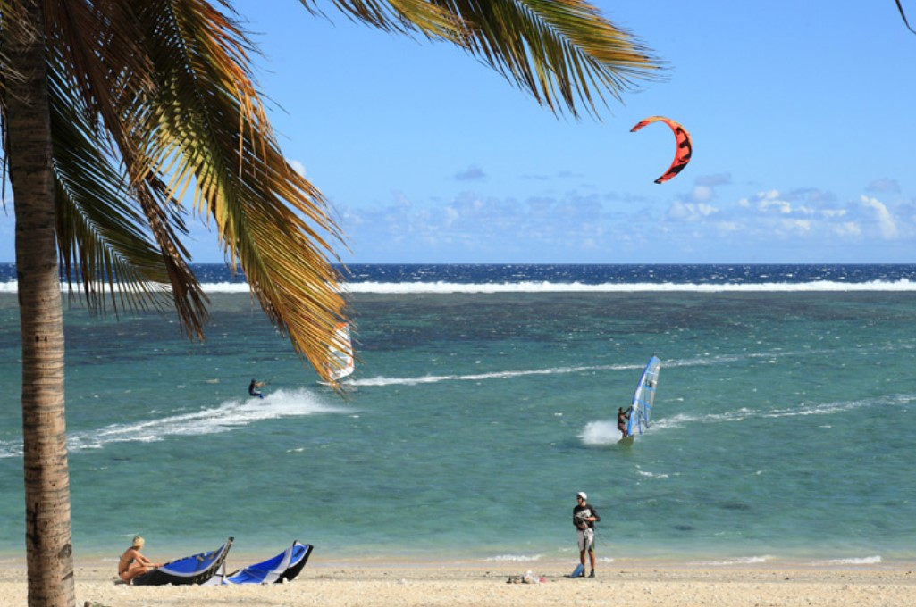 Wind surfing and kite surfing on Reunion Island