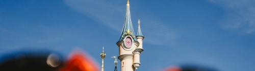 TH 2K banners Disneyland Paris2